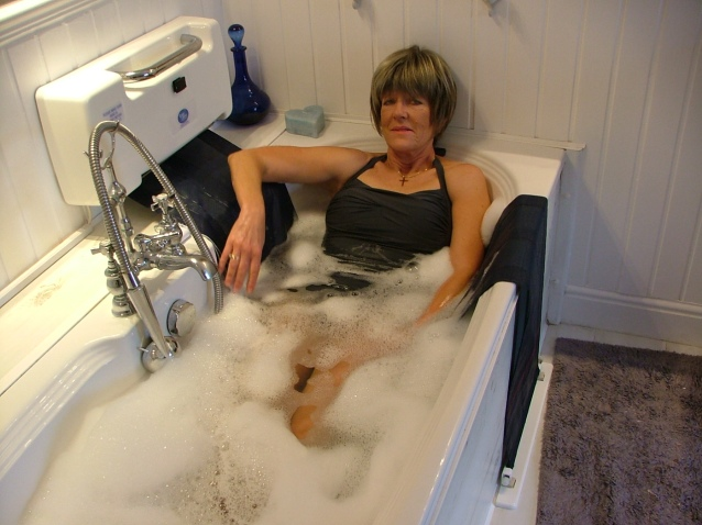 A demonstration of the new Easy Bath product set up by redundant staff Pic Credit:www.easy-bath.co.uk
