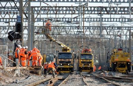electrification-work-on-line