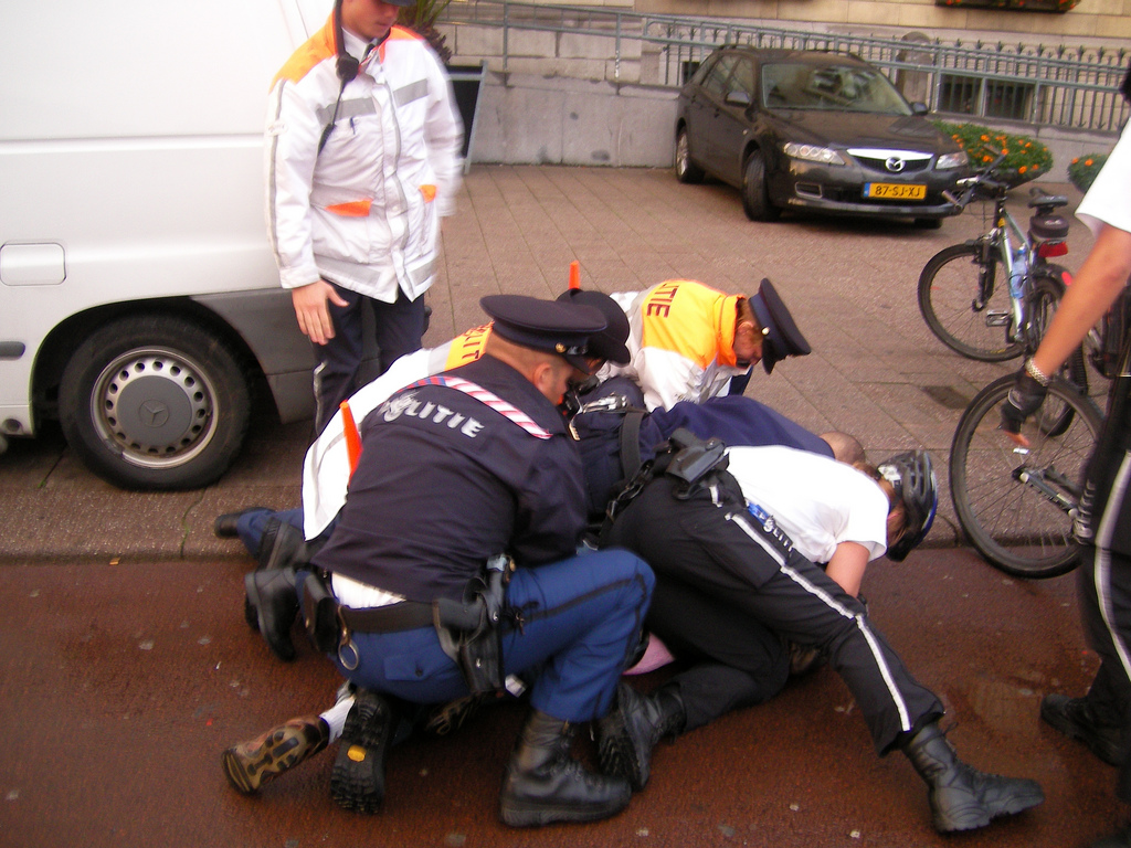 A Rotterdam police arrest pic credit Lou Robens